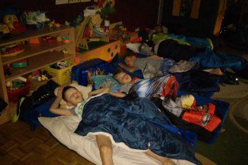 Piknik nocny w przedszkolu