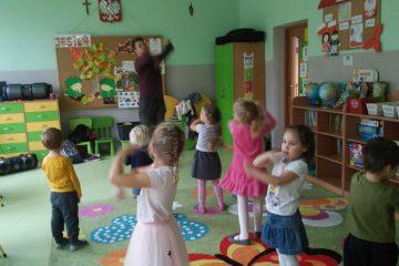 Zajęcia dodatkowe Zabawy taneczne